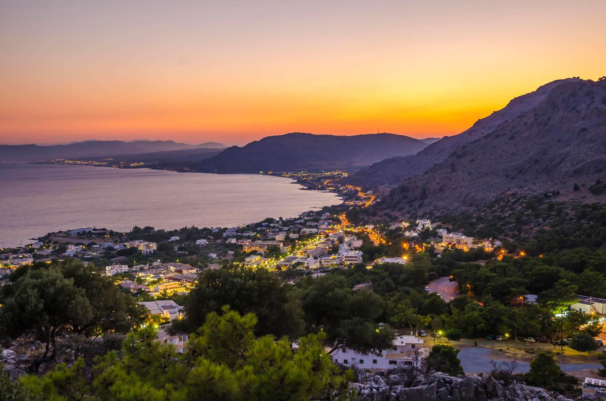 Pefkos Köyü Akşam